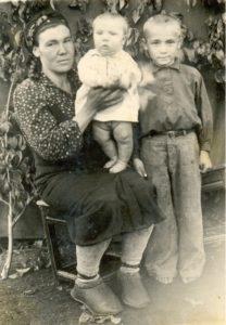 Наянова (Панова) Прасковья Алексевна. Послевоенный снимок.