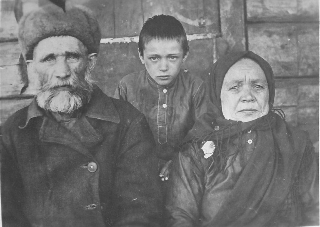 Беломестных Константин Кузьмич и Евдокия Канидьевна (в девичестве Большешапова)